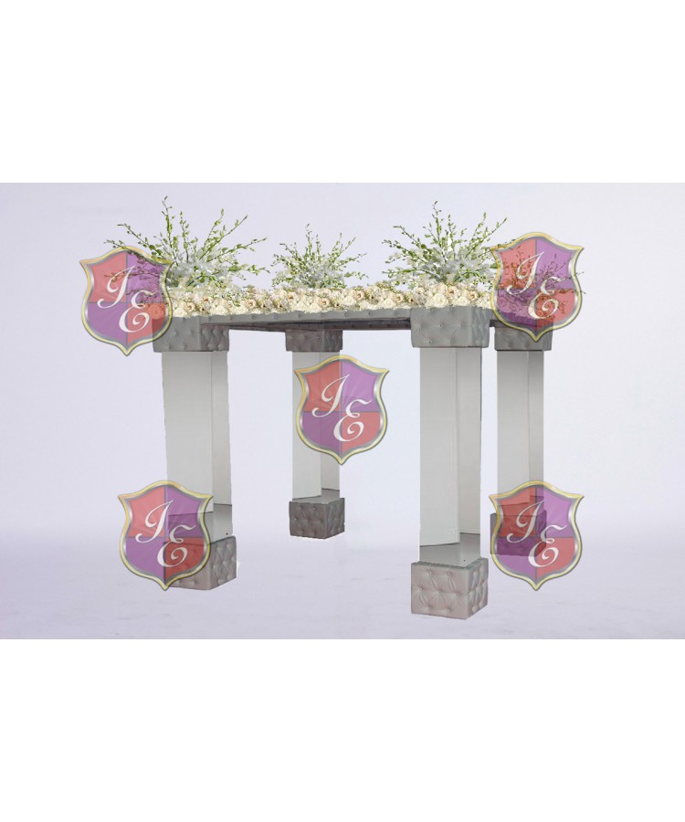 Mirror-Tufted  Chuppah Silver - White